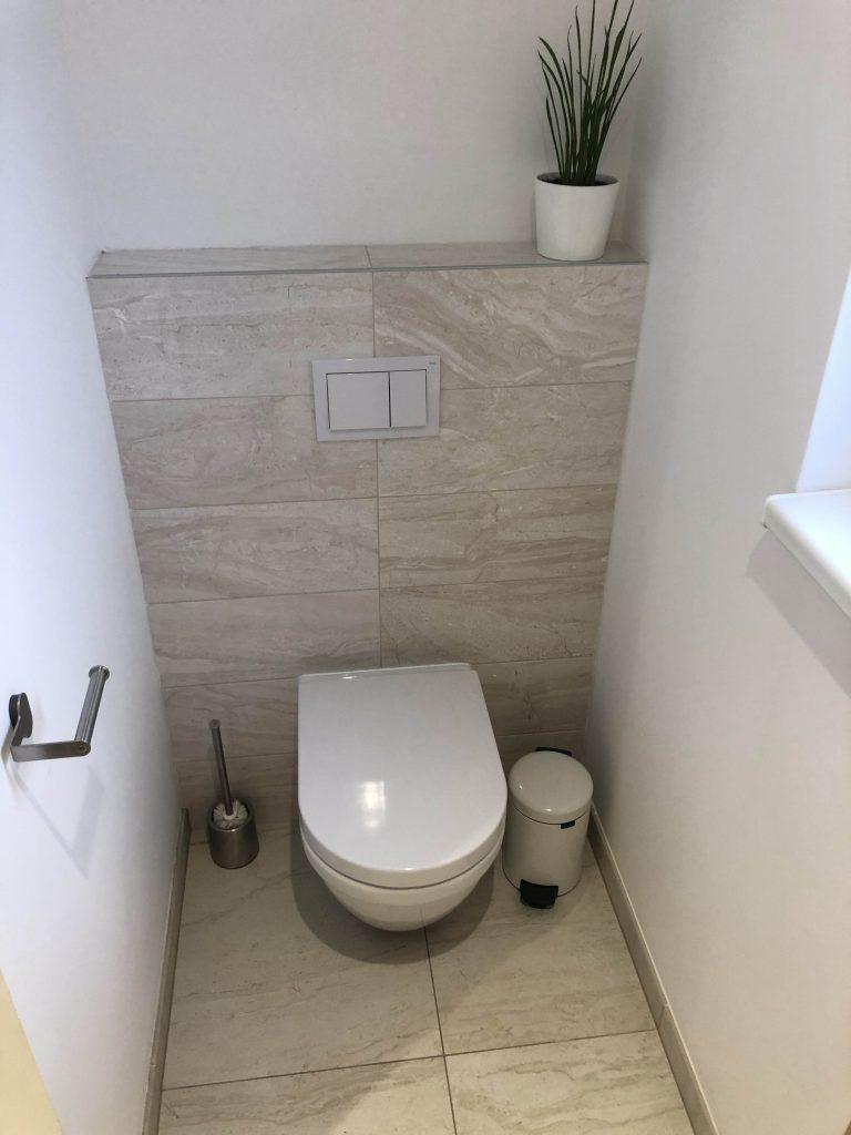 závěsný záchod